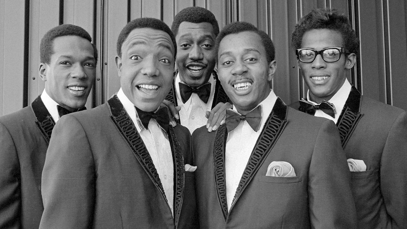 102313-national-the-temptations-band-group